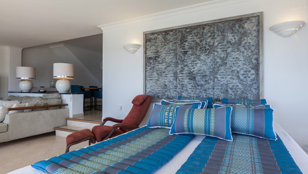 Turquoise Accessoires Woonkamer : Apartment cadaqués van der valk hotel barcarola