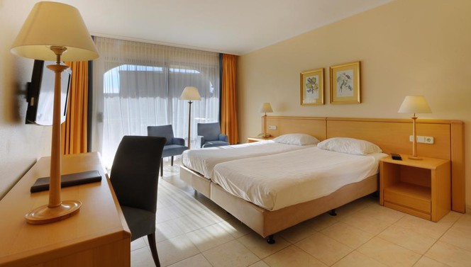 Luxury room with balcony - Van der Valk Hotel Barcarola