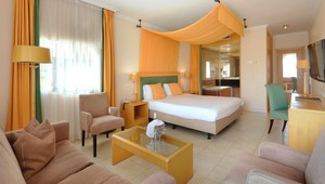 Juniorsuite with terrace - Van der Valk Hotel Barcarola