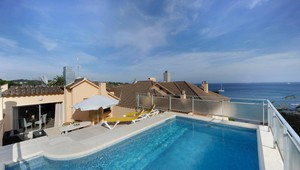 Terrace with private swimmingpool - Van der Valk Hotel Barcarola